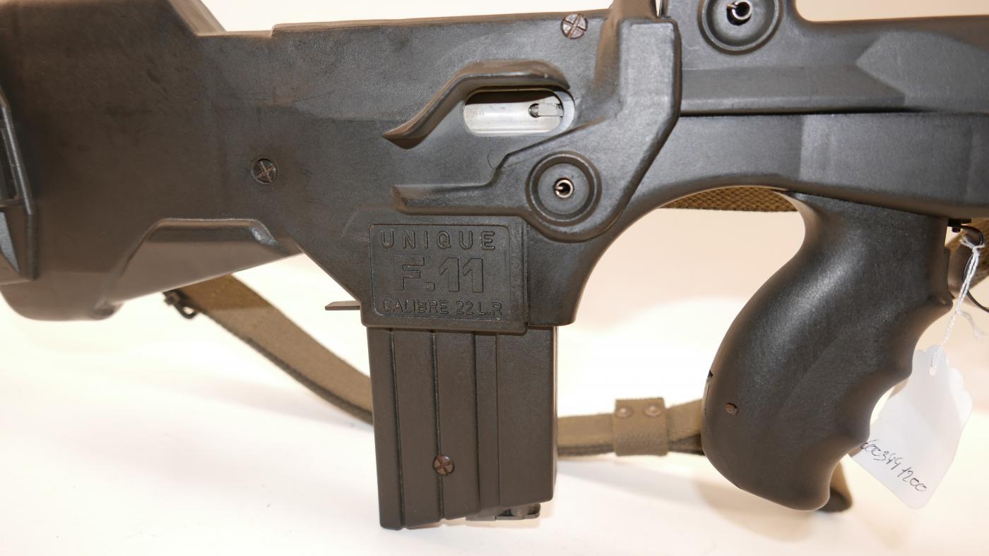 Carabine semi automatique Unique FAMAS f11 22lr